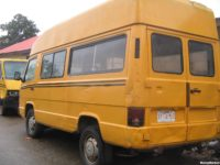 HOT CAKE—-A CLEAN MERCEDES BENZ (MB) 100 LONG FRAME ,HIGH ROOF,DIESEL ENGINE,WITH CLEAN PASSENGERS SEAT,WORKING